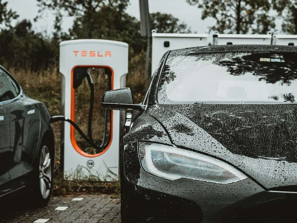 The Superb Tesla Supercharger and How it Works