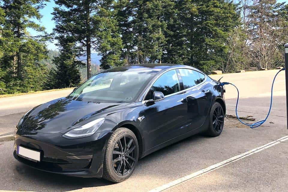 Are Tesla Vehicles Able to Use Gas?