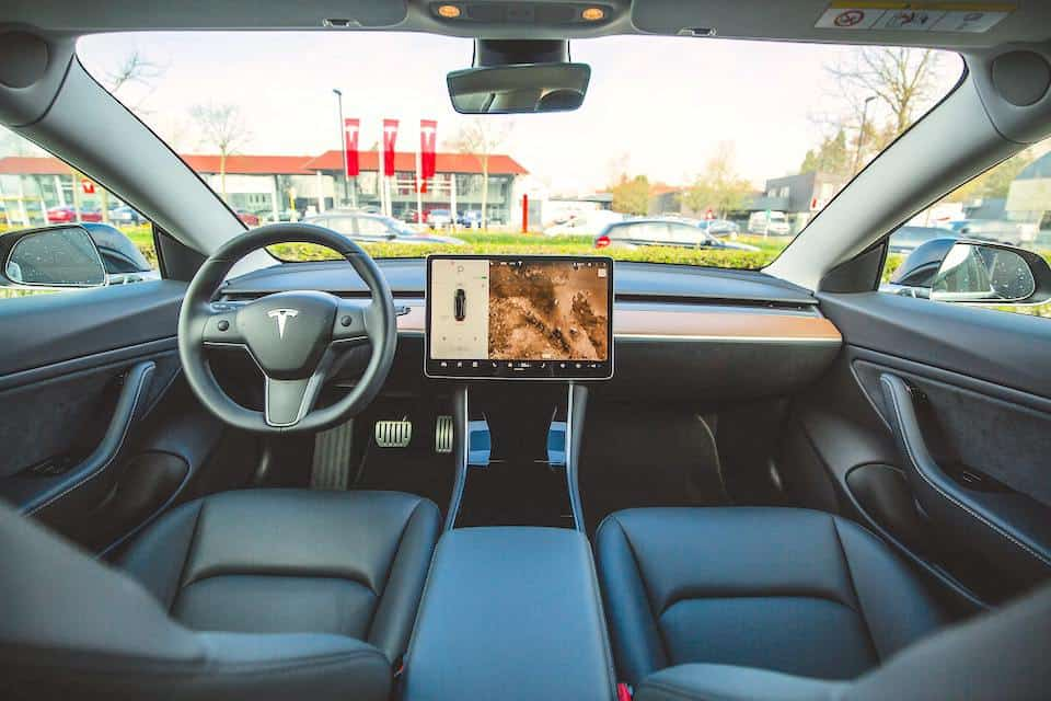 21 Reasons That Make Tesla Stand Out Above Everyone Else