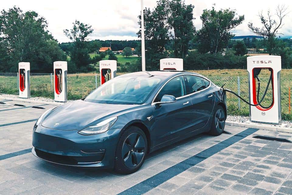 Installing Electric Car Charging Stations: The Complete Homeowners' Association Guide