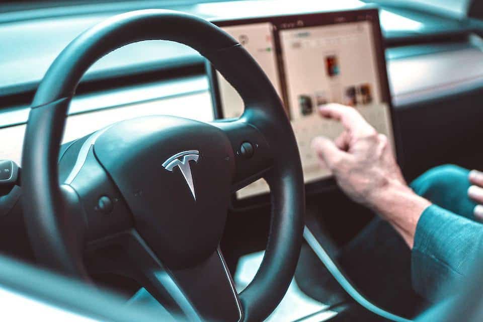 Reasons Why Your Tesla May Not Be Connecting to Bluetooth