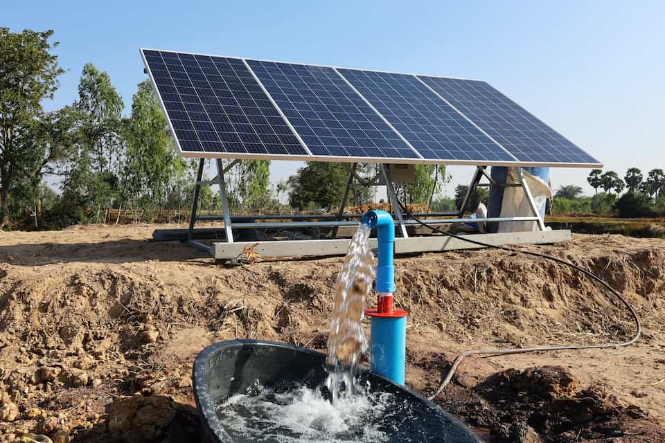 Here's How Much Solar Power You Need to Use a Submersible Pump