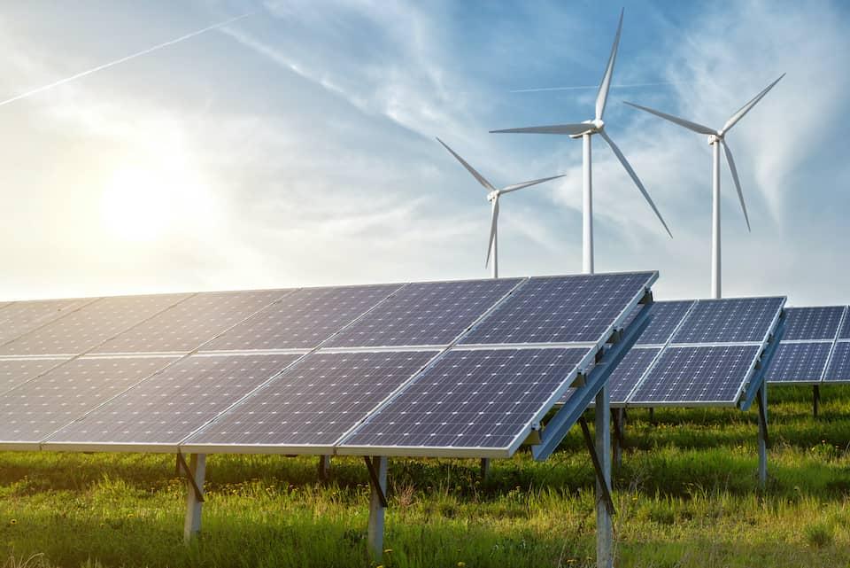 Solar Power Versus Wind Power Explained