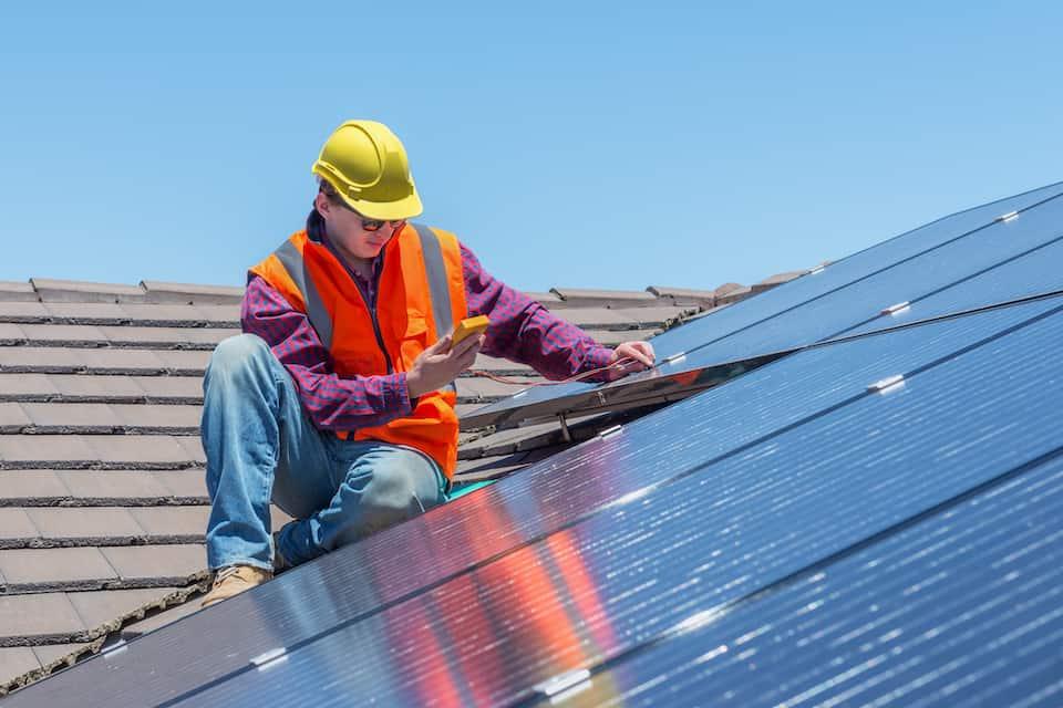 A Comparison of Tesla Solar vs. SunPower