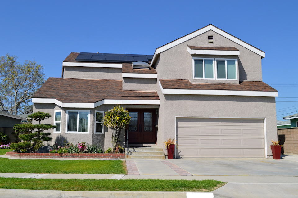 A Guide to Buying Tesla Solar Panels (Or Roof Shingles)