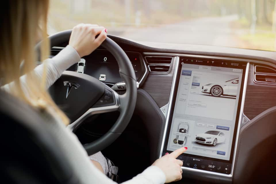 When Model S Gets a Yellow Screen Try This First