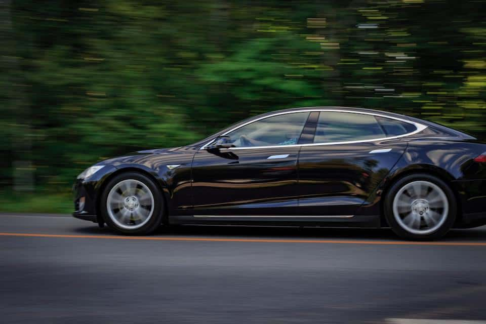 Tesla Model S Looks Like Aston Martin