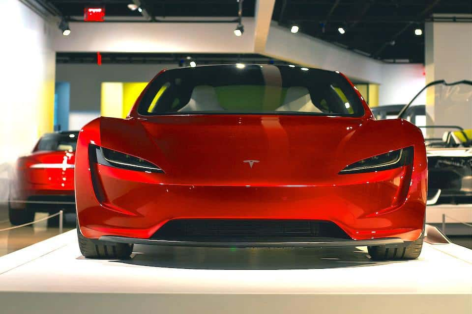 This is When the Tesla Roadster Will Ship in Your Area